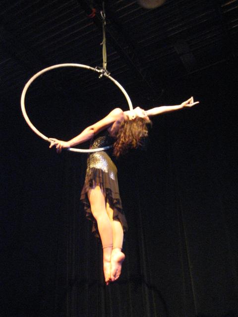 cirque plus    cerceau luna